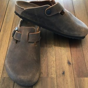 Boston oiled leather clogs